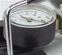 Manometer für die Luftdruckanzeige.