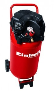 Stehender Druckluft Kompressor mit 10 bar von Einhell.