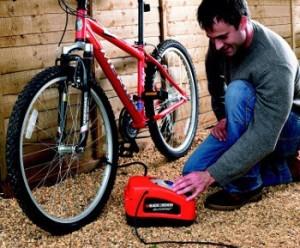 Kompressor für Fahrradreifen.