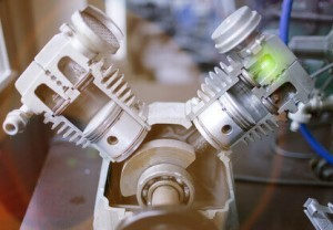 Aufbau eines 2-Zylinder Kolbenverdichters in einem Druckluft Kompressor.